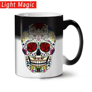 Nuevas tazas coloridas del cráneo Taza cambiante del color del calor Decoloración Magia Creativa Taza de café de cerámica divertida