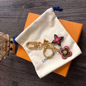 Neueste Luxus-Schlüsselanhänger Mode-Schlüsselanhänger Marke Leder Schlüsselanhänger Porte Clef Geschenk Männer Frauen Souvenirs Auto Beutel-Anhänger Schlüsselanhänger mit Kasten RT9