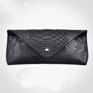 Lunettes de luxe de luxe boîte couverture dure peau de serpent modèle conception lunettes en cuir Spectacle Case pour femmes lunettes accessoires C19041201