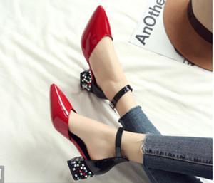 Nouveau style Sandales à talon grossier Assortiment de couleurs pour femmes