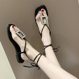 Yaz Kadın Düz Sandalet Moda Seksi Ayak bileği Kayış Açık Burun Sandal Plaj Kadın Ayakkabı Rhinestone Gümüş Gladyatör Sandal