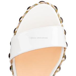 2019SS Yaz Muhteşem Kırmızı Alt Levanten 60mm Beyaz Rugan Kadınlar Kama Sandal Altın Çıtçıt Graffiti Bilek Kayışı Gladyatör Sandalet