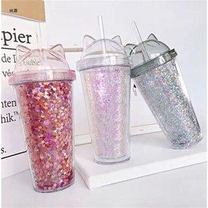 قنينة ماء مجانية مع قش بلاستيكي
