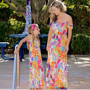 Familia Mismo vestido de la madre y la hija colorido de la impresión del hombro del verano del vestido largo sin mangas del tirante de espagueti vestido maxi