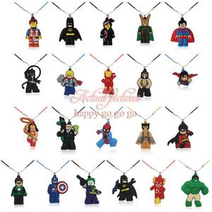 MOQ = 8 PCS Super Herói Colar PVC Macio Dos Desenhos Animados Pingentes Encantos + 51 cm Correntes de Corda Acessórios de Moda Jóias Ornamentos Atacadistas Melhor Presente