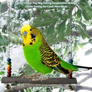 Los loros de madera naturales columpio de juguete pájaros perca columpios colgantes de la jaula a los granos coloridos campanas Juguetes Cock Birds gallina Suministros
