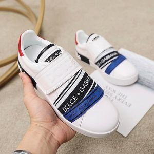 New arrivel corrida de luxe qualidade superior fivela elástica plataforma da mulher decoração mens superfície de couro sapatos casuais