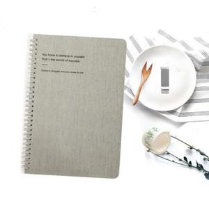 Nouveau A5 Luxury Business Coil pour Notebooks Horaire quotidien Mémo blanc Carton couverture des cadeaux de Noël Journal de papeterie