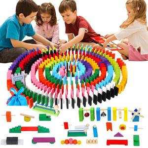 Jogo de tabuleiro de madeira colorido Domino Acessórios Acessórios Jigsaw Brinquedos Dominoes Blocos Jogo Interativo Brinquedos para Crianças