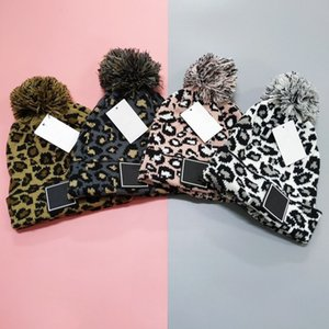 Moda Tasarımcısı CHA Harf Leopar Şapka kasketleri Erkekler Kadın Şapkalar Açık Sıcak Kafatası Yüksek Kalite Pom-pom Beanies Stil Caps
