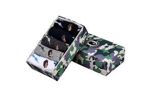 1 Caja Ape Tide Marca Calcetines caja del regalo del algodón monopatín camuflaje deporte Calcetines europeo y americano de Streetwear media Casual