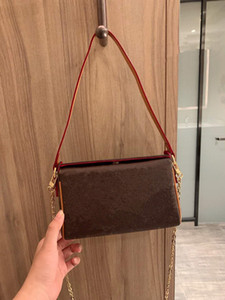 top quality Spring new women's shoulder bag, shoulder bag, Messenger Bag, chain decoration handbag