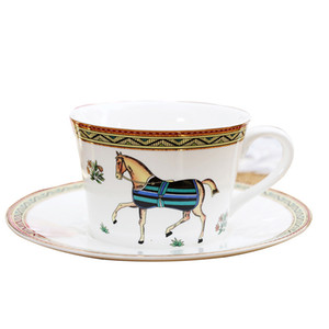 Tazze di tè in ceramica europee di marca piattini Set tazza di caffè espresso in porcellana bianca Golden Rim per regalo di alta qualità