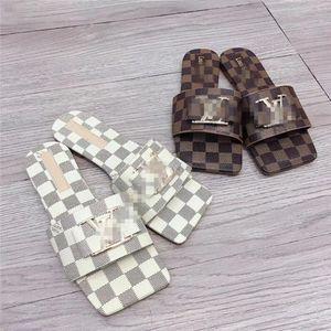2020 Paris Luxus-Designer Flip Ganz Frauen Nizza Sommer-Sandelholz-Strand-LOUIS VUITTON Slipper Damen Flop Loafers Print Leder Solid Color