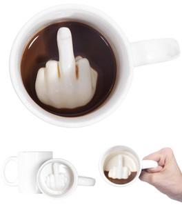 Kreatives Design weißer Mittelfinger-Becher, Neuheit Art-mischender Kaffee-Milch-lustiger Keramik-Becher 300ml Kapazitäts-Wasser-Schale Q190524