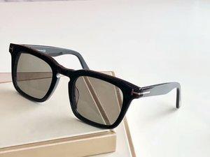 Квадратные Солнцезащитные очки Dax 751 Блестящий черный / дымчатое ВС Стаканы Роскошные дизайнерские солнцезащитные очки очки Новый с коробкой