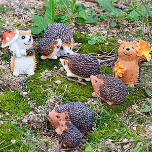 2pcs / lot estátuas Mini Fada bonito Hedgehog Micro Paisagem Bonsai jardim ao ar livre Decoração Figuras Resina animal