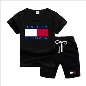 Çocuklar Setleri 1-7T 8 Renkler Çocuklar tişört Ve Kısa Pantolon 2pcs / Bebek Boys Kız% 95 Pamuk Mektupları Baskı Stil Yaz Setleri setleri