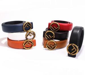 Cinturón de cuero de vaca creativo para los hombres Fashione Mbossing Cintura Metal Automático F En forma de hebilla Diseño Mujeres Faja de cuero Nueva llegada 15zl Y
