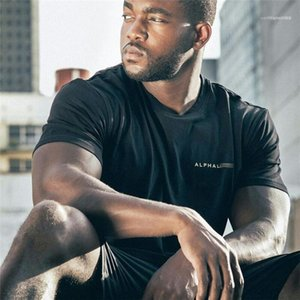Yaz Desinger Tshirts Mürettebat Yaka Kısa Kollu Harf Katı Renk Moda Spor HOOME Giyim Mens yazdır