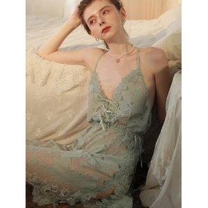 Seksi Mousse Gece önlük ve G-string setleri Kadınlar düğün Uyku aşınma Sexy sırtı açık Ultra ince Derin v yaka Yeni moda Beyaz Y200425