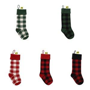 Knit Christmas Stockings Buffalo Check Christmas Stocking Plaid Xmas Socks Candy Gift Bag Indoor Christmas Decorations BWE3031