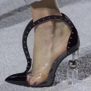 2019 elegante diseñador de punta estrecha botas de tobillo de PVC charol tacón tachonado High Street moda marca zapatos botas de mujer