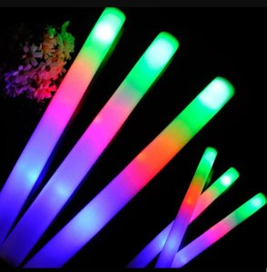 "LED Glow light Up Foam Stick juguetes Color Led Foam glow stick Decoración de banquete de boda Juguetes 19 ""LED varitas Rally bastones"