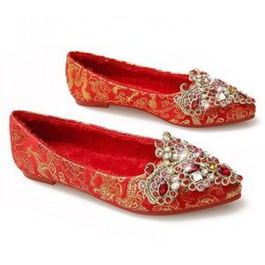 Plus Size 34~43 Red Crystal Wedding Shoes Pointed Toe Flats Rhinestones Bridal Satin Shoes Ladies Slip On Loafers Single Shoe