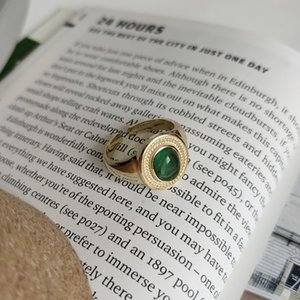 Ultimo disegno classico d'oro semplice anello gioiello di pietra verde argento 925 per le donne e latticini ragazza che indossa e regalo di festa della mamma