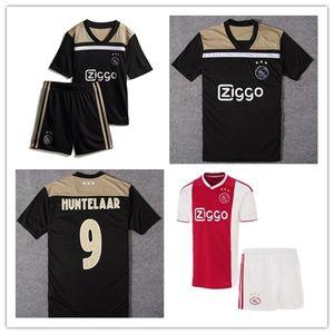 2019 Kit enfants Ajax home rouge blanc maillots de foot garçon garçon Ajax loin Maillot # 10 TADIC # 21 DE JONG # 25 DOLBERG # 22 kit de football ZIYEC