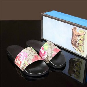 2020 Nova GG carta Ace Homens Mulheres Sandals Designer Shoes Top Luxo corrediça Summer Fashion Ampla Plano Slippery Sandals Flip Flop Chinelo