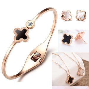 set di gioielli di design di gioielli di lusso per le donne rosa set in acciaio color oro orecchini trifoglio collana titanio fasion caldo