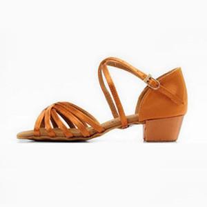 Fille chaussures de danse latine BD 603 Satin Chaussures petites filles de danse latine chaussures talon enfant Sandales Ballroom Dance Chaussures à talons bas intérieur