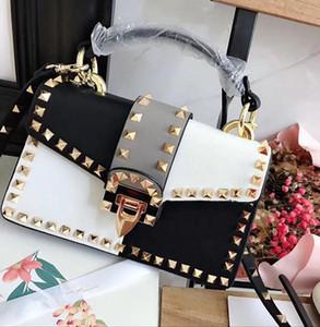 La bolsa de diseñador-marea femenina pernos prisioneros del remache de la plaza pequeña bolsa de Split Contraste de color bolsos de hombro del diseñador libre inclinado a través correas Bolsas