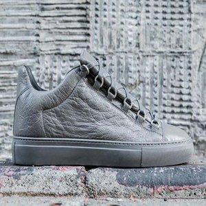 2020 Trend Платформа Мужчины Женщины Повседневная обувь имя Lovers Белая кожа Спортивные кроссовки Lovers Довольно обуви Sneaker AP9
