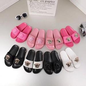 Com Caixa de 2018 Slides Verão Designer De Luxo Praia Interior Flat G Sandálias Chinelos Casa Flip Flops Com Spike sandal