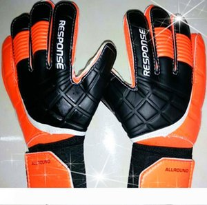 Top quality Full Latex goalkeeper gloves professional football goal keeper thicken finger protection guard goalie soccer glove fast shipping
