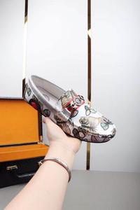 Luxus-Designermode Herren-Schuhe Druck Leder flach formale Schuhe Metallknopf Peas beiläufige Schuhe Turnschuhe hohe Qualität HY4
