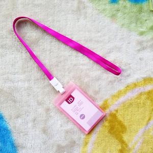 8.5 * 5.4cm iç kart için kordon ile su geçirmez id rozeti tutucu ofis malzemesi çoklu renkler