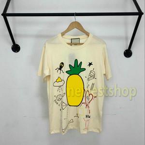 인쇄 된 T 셔츠 남성 여성 캐주얼 T 셔츠 하이 엔드 반팔 하이 스트리트 파인애플 20SS 여름 패션 럭셔리 망은 티 꼭대기에 오른다
