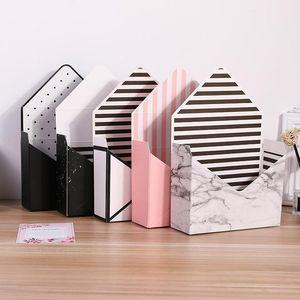 Creativo scatola di carta ecologica bianco Cartone busta Fiore pieghevole Fiori Rose Sapone Fiore Gift Box imballaggio forniture di nozze XD23128