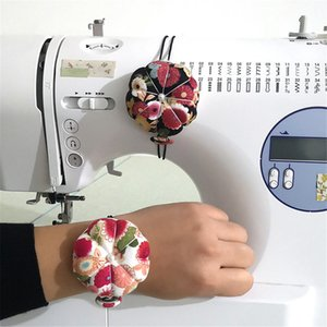 2019 High Quality Multi-purpose Floral Wrist Pin Cushion Special Gift Decorative Sewing Machine Support Wholesale Dropshipping