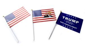 Trump Mão Signal Flag 14X21 CM Donald 2020 Bandeiras Carta Imprimir Manter América Grande Bandeira À Prova D 'Água Papel Mão Acenando Bandeiras