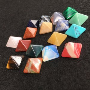 10pcs Set Pyramid Gemstone Natural Stone Crystal Quarzo Healing Point Chakra Home Office Decorazione Artigianato C19041101