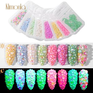 1pcs luminoso di cristallo formato misto di arte del chiodo con strass cristallo decorazioni 3D Nails Art strass Ultime diamante fluorescente