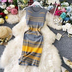 Gagarich Frauen elegantes Kleid Ärmel Art und Weise gestrickte Damen nimmt 2020 Sommer-neue Streifen O Ansatz Midi Stretch Basis Vestido