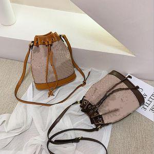 Kadınlar Karikatür kova çanta çapraz çanta çapraz vücut çanta seksi kulüp zarif şık iyi Kalite omuz çantası tole çanta sıcak satmak 0165 panelli