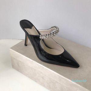 Высокий каблук Sandal Женщины Указал Кристалл ремень Сандал лакированная кожа Мулы Женщины Плоский Мулы дизайнер стилет каблук платье Sandal AL30