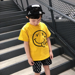 Boys Designer T-рубашки Детские смайлиные Топы Мальчики Летние Короткими Рубашками Дети Новый Стиль Геометрический Печать Классические Рубашки 2020 Новый